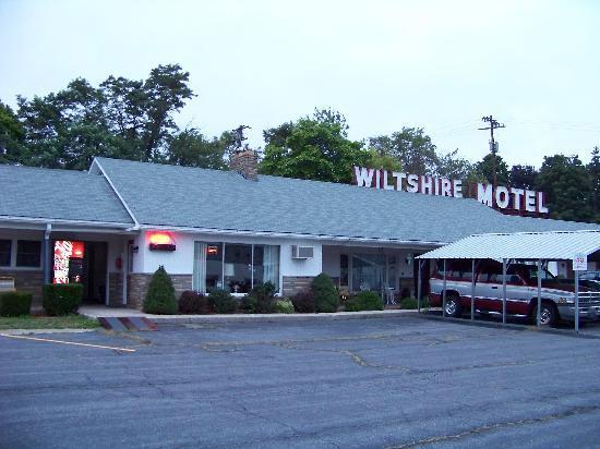 Wiltshire Motel 4