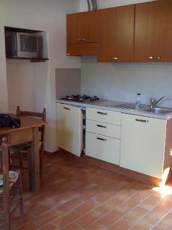 Country House Ca' Vernaccia: The kitchen in our appartamento.