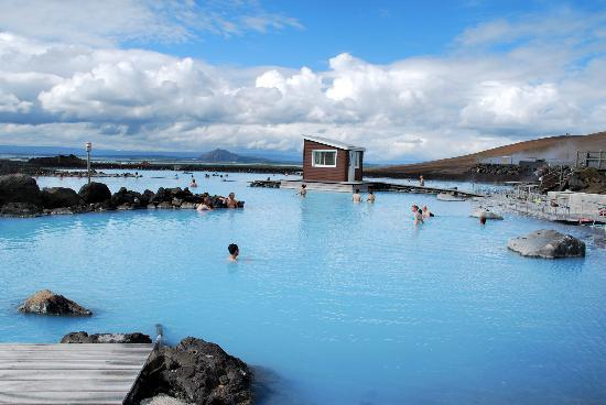 i rilassanti bagni termali - Picture of Lake Myvatn, Lake Myvatn ...