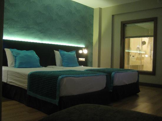 Hotel Au Pera: our bedroom