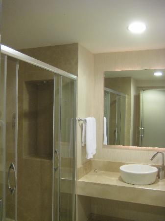 Hotel Au Pera : view of the bathroom