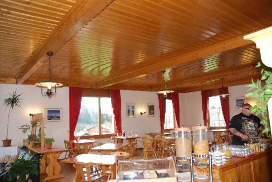 Hotel La Tour d'Ai : Sala Desayunos