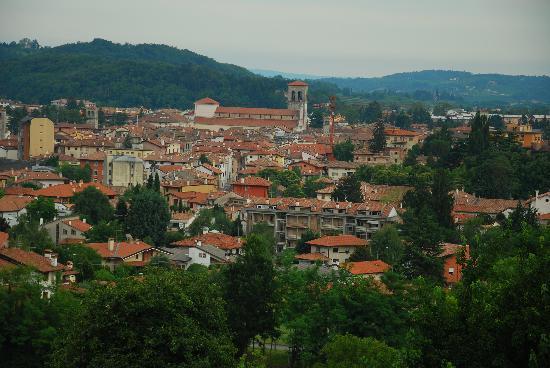 Hotel Locanda Al Castello: Blick auf Cividale vom Hotel
