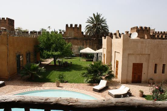 Dar Tourkia: The grounds and pool