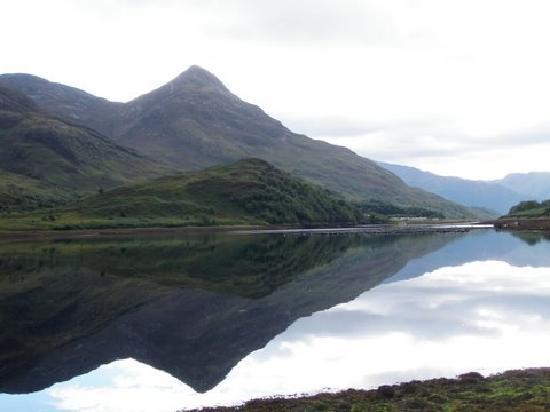 Allt-nan-Ros: Pap Of Glencoe from Loch Leven
