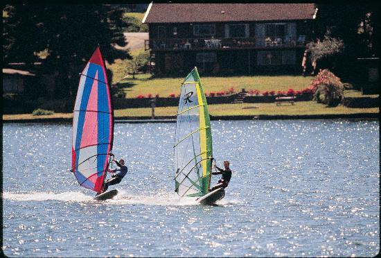 Lincoln City Sailboarding on Devils Lake