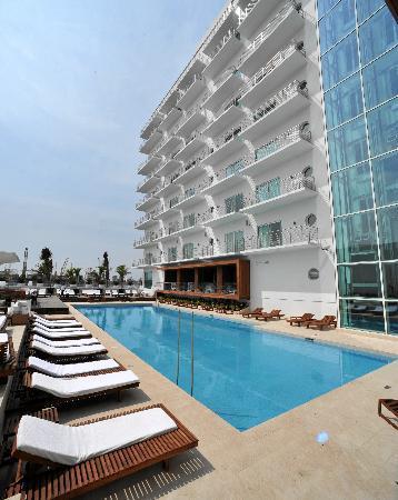 Emporio Veracruz: This is one of the three pools