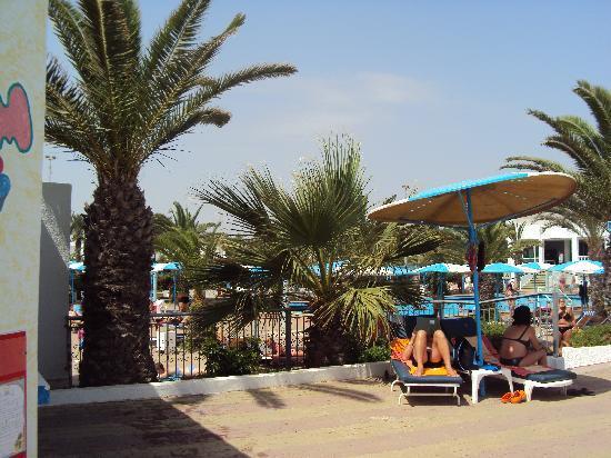 El Mouradi Club Selima: côté piscine sous 45 degrés!