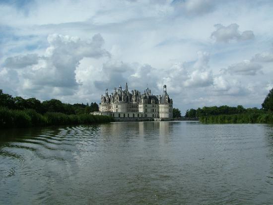 Le Moulin de Saint-Jean : One of the many Chateaux along the river