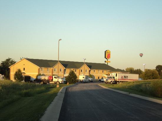 Super 8 Huntington: Super 8 Motel