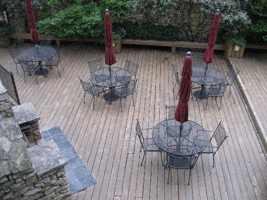 Southmoreland on the Plaza: outdoor courtyard, view from porch of Ella Loose