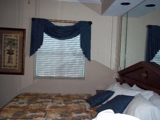 Westgate Palace Resort: King Bed