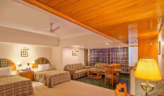 Sarovar Portico Ahmedabad: Twin Bed Room