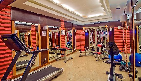 Sarovar Portico Ahmedabad: Fitness Center