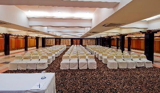 Sarovar Portico Ahmedabad: Banquet