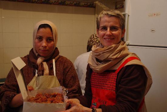 Boutique de Commerce Solidaire AFBK et Cours de Cuisine : élève parent