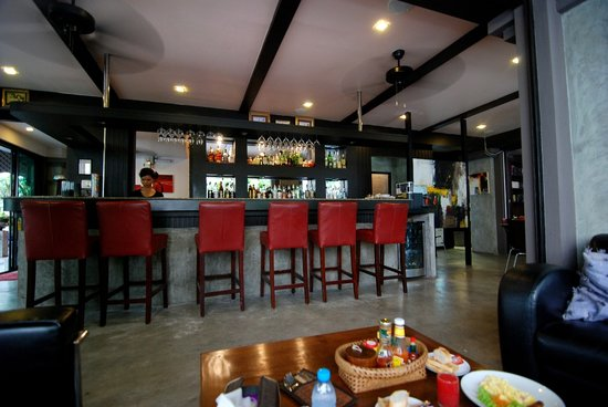 Baipho Boutique Residence Phuket: the bar and restaurant