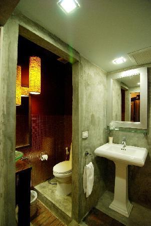 Baipho Boutique Residence Phuket: the Studio - bathroom