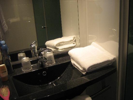 Escale Oceania Pornichet La Baule : salle de bain