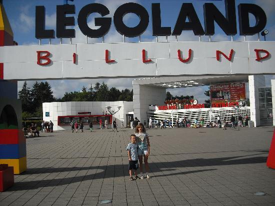 LEGOLAND Holiday Village : Legoland a apenas 300 mts.