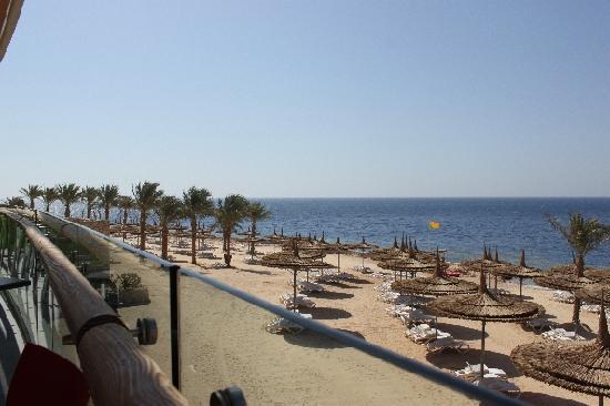 Reef Oasis Blue Bay Resort: sea breeze