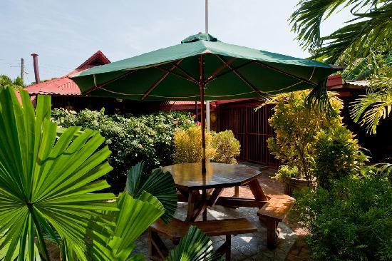 Charly's Bar, Restaurant & Guesthouse Image