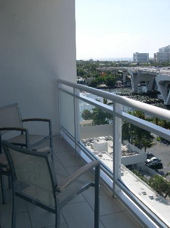 Hilton Fort Lauderdale Marina: view from our balcony, tower room