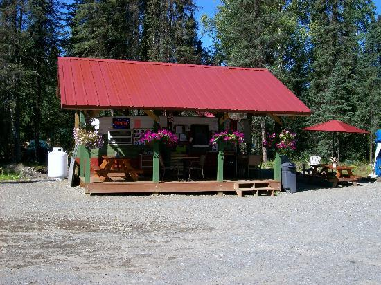Payo's Thai Kitchen and Cabins: A Relaxing Stop