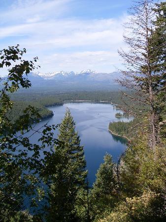 Holland Lake Lodge: Scenery on the 6 mile hike around Holland Lake