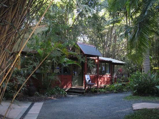 Yandina, Australia: entrance to cooking school & shop