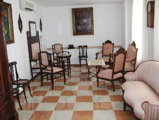 Hotel Don Paula: SITTING-ROOM