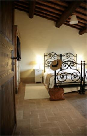 Castello di Montegiove: Bed room