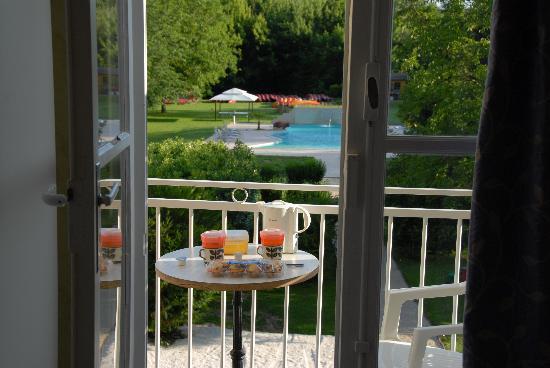 Hotel Brasserie Lacave : Vue de la chambre