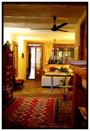 Colonia Suite Apartments: 1
