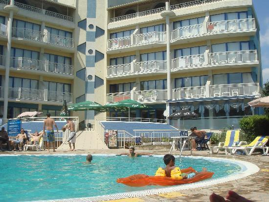 Hotel aquamarine updated 2017 reviews price comparison - Sunny beach pools ...