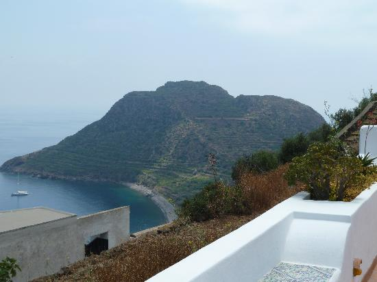 Filicudi, Ιταλία: view from pool