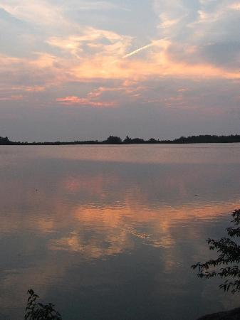 Pelee Places: Spectacular sun set