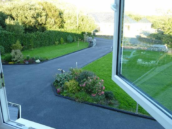 Racecourse Lodge: Window view 1