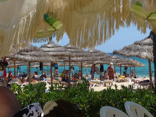 Nahrawess Hotel : plage