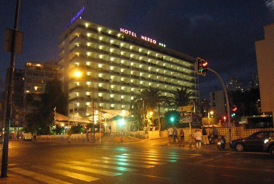 Servigroup Nereo: Hotel Nereo à noite