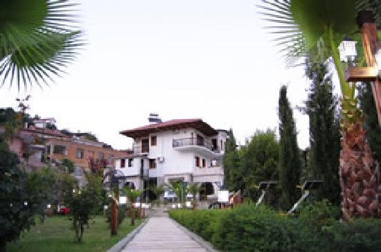 Rezidenca Desaret : Front view