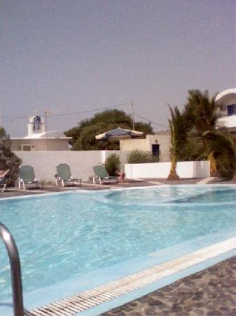 Sea View Studios: The Pool