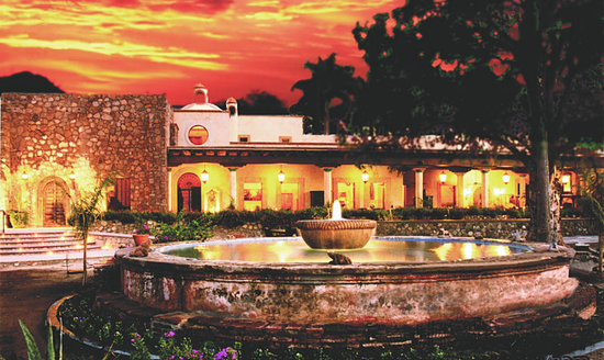 Hacienda De Los Santos: Dining and Entertainment Area of the Hacienda
