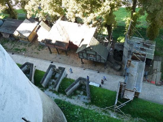 Chateau de Pierrefonds : View of the set for Merlin