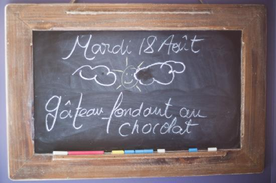 Nuits Saint-Pierre: The chalkboard in the kitchen.