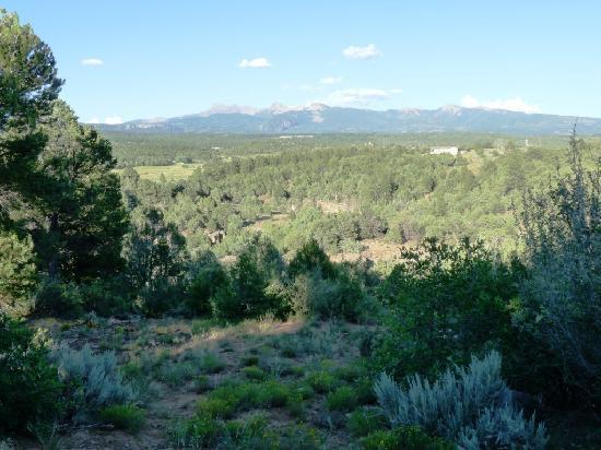 Sundance Bear Lodge: Vue depuis l'une des terrasses du cottage