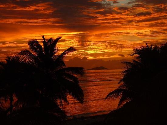 The Palms at Pelican Cove: Amazing sunrise!