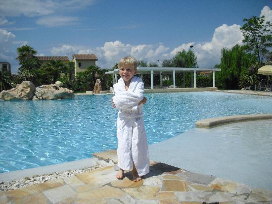 Color Hotel: Am neuen Pool