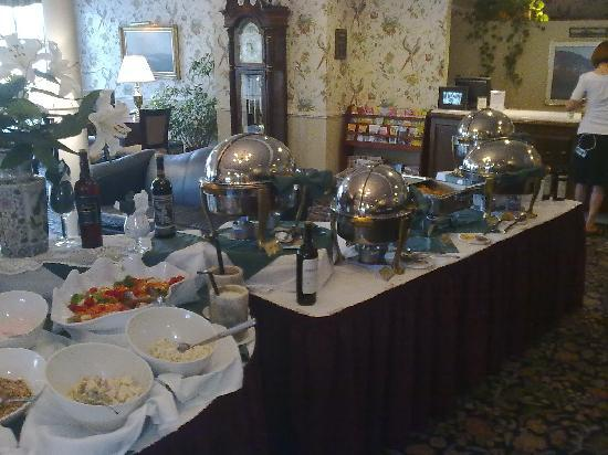 White Mountain Hotel and Resort: Brunch