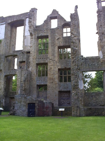 ‪Hardwick Old Hall‬